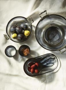 Volterra Nero collection with 5 products