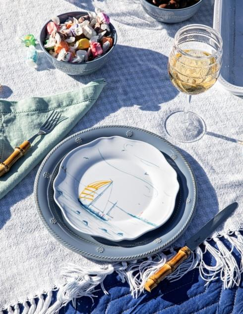 Melamine collection with 17 products