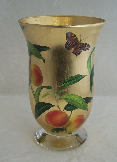 Classic Hurricane Peaches and Butterfly on Gold