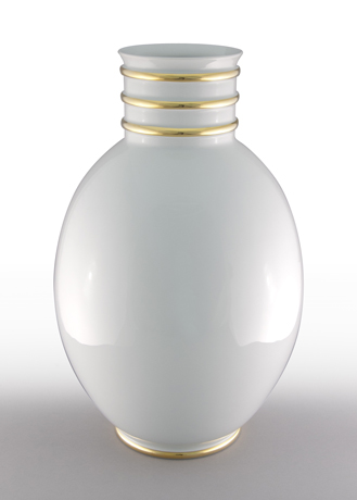 Arienne Egg Vase, White/Gold