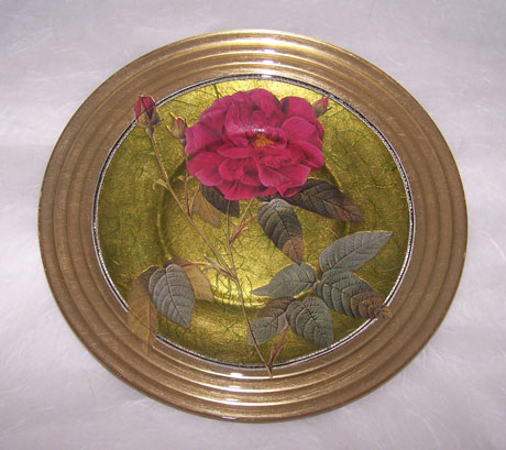 Ribbed Edge Plate Rose on Gold