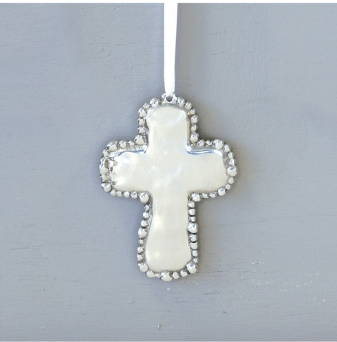 Beatriz Ball cross