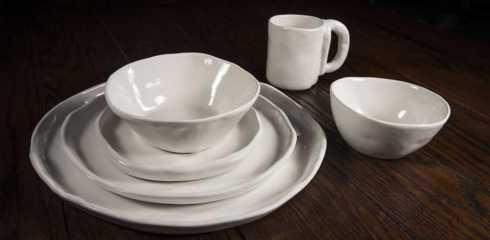 Dinnerware collection with 16 products