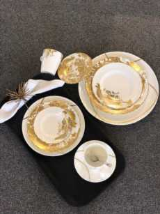 Aves - Gold Motif  collection with 7 products