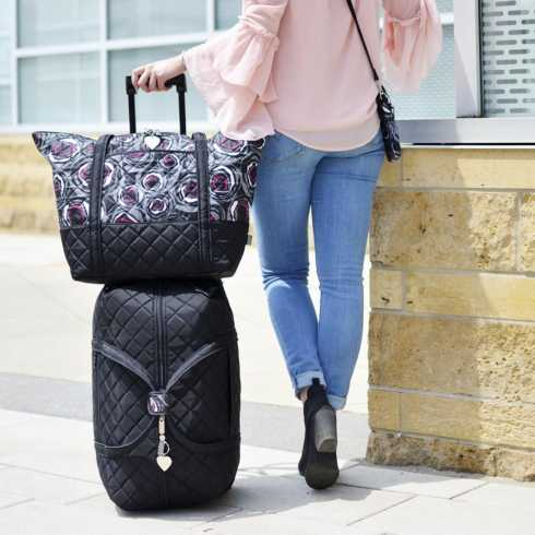 Carry-On Rolly collection with 4 products