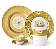 Splendid (Formal Table) collection with 10 products