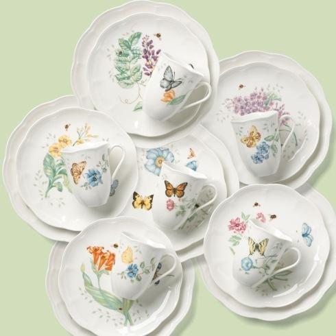 $243.00 8 Piece Luna Nesting Set