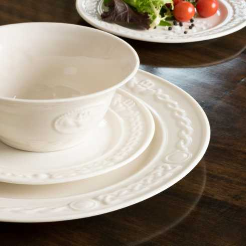 Claddagh Tableware collection with 13 products