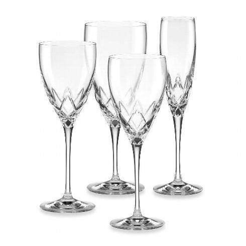 Venetian Lace Stemware collection with 2 products