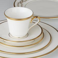 Eternal White Dinnerware collection with 10 products