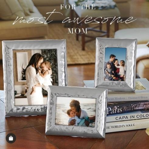 Frames collection with 2 products