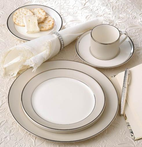 $240.00 Solstice 5 Piece Place Setting-Can Cup
