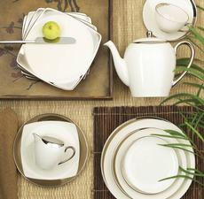 Crescent 5 Piece Place Setting