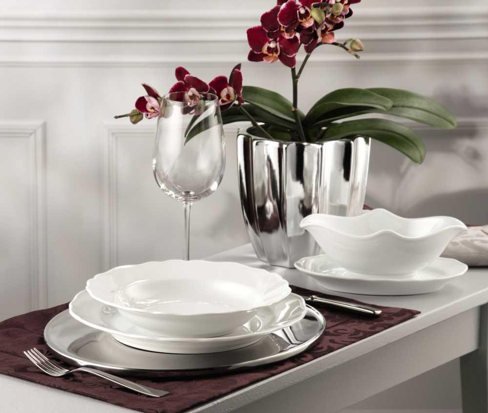 Lifestyle image 1 for Maria Theresia White