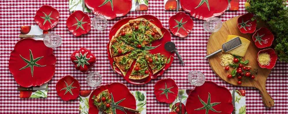Lifestyle image 1 for Tomato