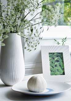 White Folia collection with 9 products