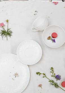 Lifestyle image 1 for Wild Strawberry White