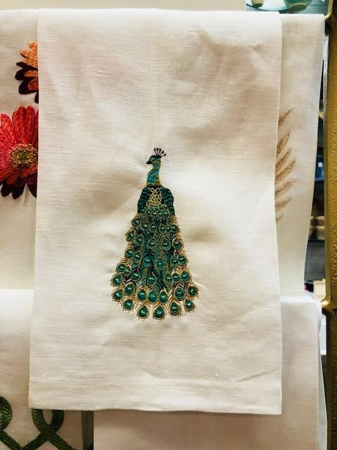 Babcock Exclusives  Southern Traditions Peacock on Ivory Linen Towel STR-001 $17.50