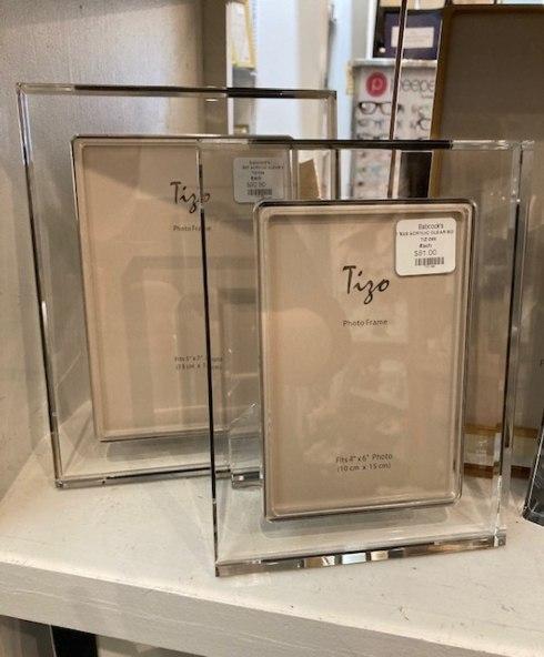 $81.00 Acrylic Clear Border 4x6 Frame TIZ-288