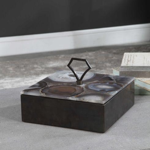 $306.00 Zyon Box UTT-171