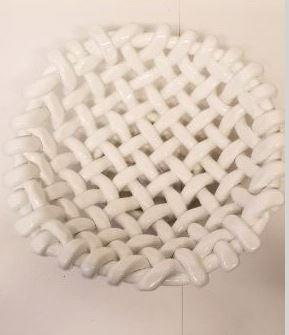 SM WHITE ROUND WOVEN BASKET collection with 1 products