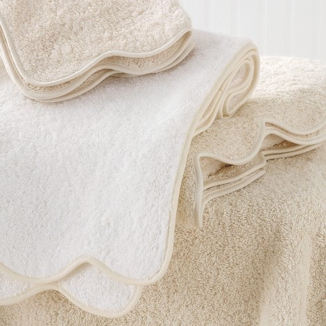 Matouk  Cairo Scalloped Custom Edge Hand Towel $52.00