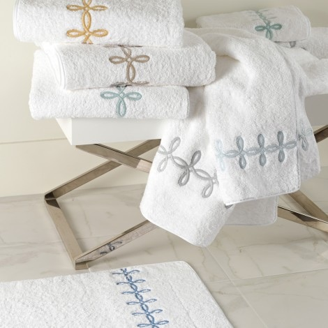 Matouk  Gordian Knot Bath Wash Cloth $29.00