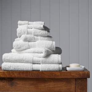 Barbara Stewart Exclusives   GUEST TOWEL-WHITE $22.00