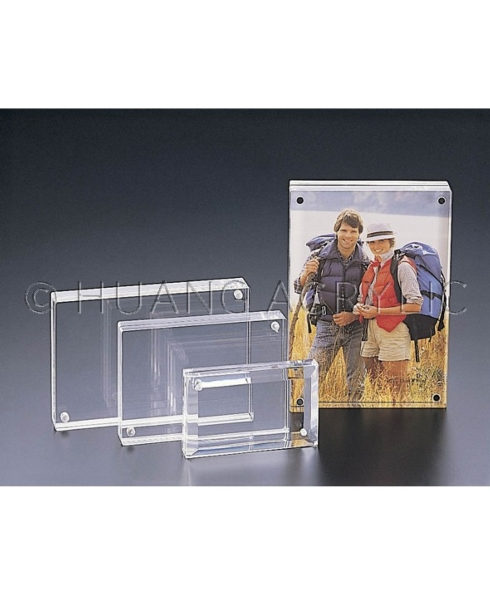 $33.00 MAGNETIC PICTURE FRAME 5 X 7