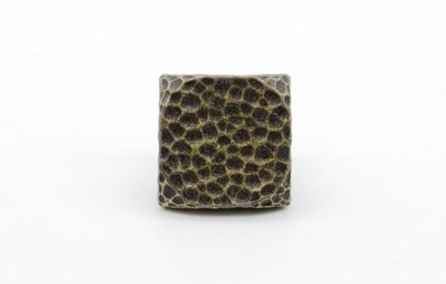 $19.12 Square 1-in Hammered Clavo 4-Pack Brass Ox