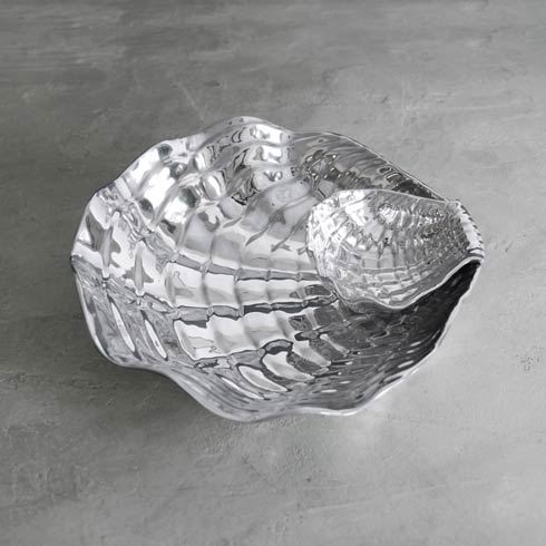 $178.00 Shell Wavy Bowl With Dip