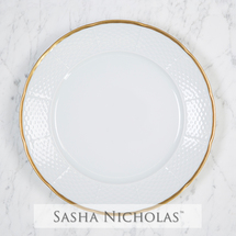 Weave Simply White 24K Gold Dinner Plate collection with 1 products