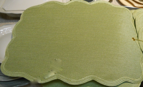 $44.00 Rectangle placemat with scallop edge