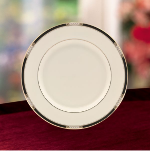 Hancock Dinner Plate collection with 1 products
