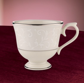 Pearl Innocence Cup and Saucer collection with 1 products