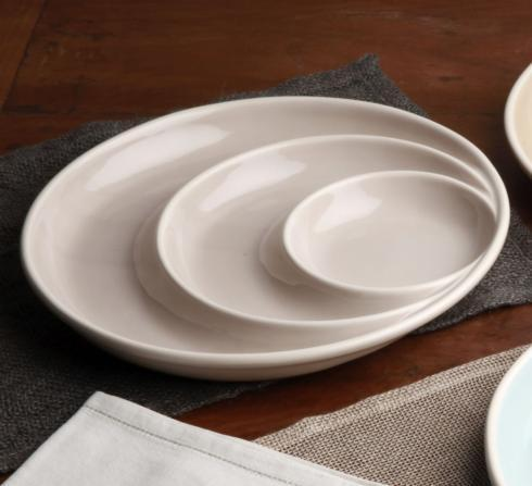 Casafina  Chip & Dips/ Divided Dishes Round Chip & Dip $35.25