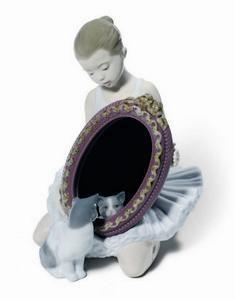 $525.00 A Purr-Fect Reflection 7X5.25