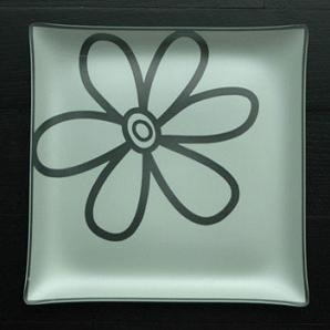 """$100.00 Forget Me Knot 14"""" Flower Plate"""