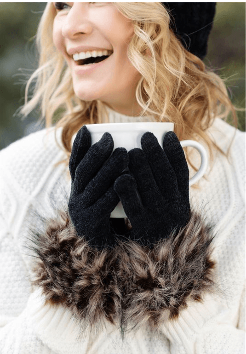 Spotted wolf fur gloves