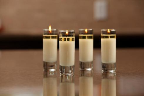 $7.50 White Floral and Spice Votive
