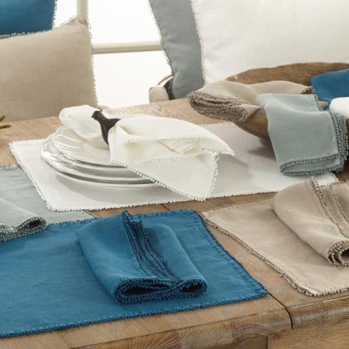 Saro Designs   Set of 4 Ivory Pom Pom Placemats $41.95