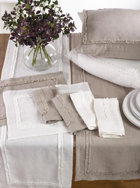 $51.95 Set of 4 Ivory / White Linen Napkins