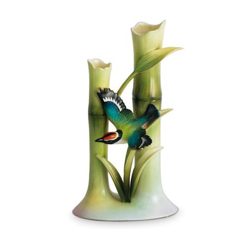 Vase, bud
