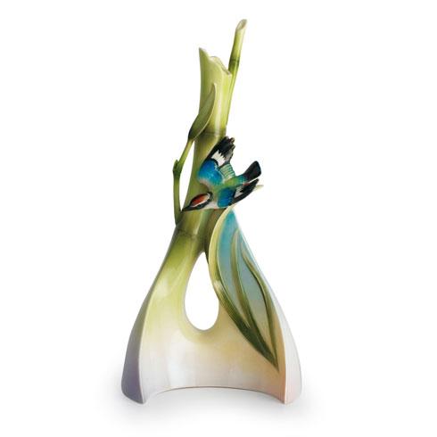 Vase, triangle