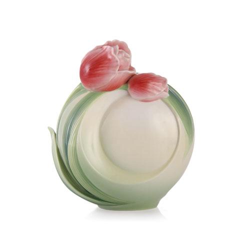 Vase, Tulip