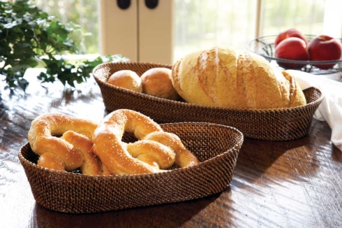 Small Oval Bread Basket collection with 1 products
