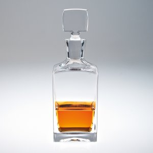 Enzo square decanter collection with 1 products