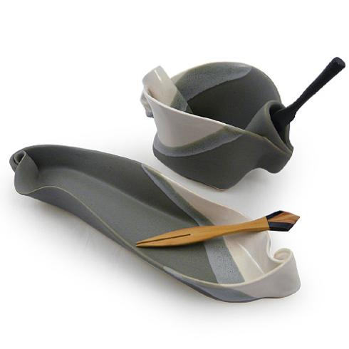 Hilborn Pottery: Olive Dish & Pinch Pot collection with 1 products