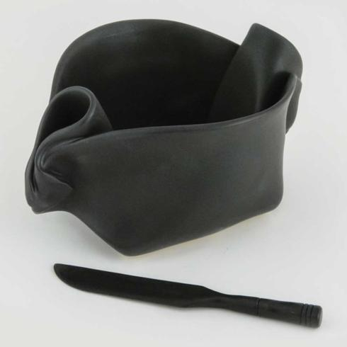 Hilborn Ebony Pinch Pot collection with 1 products