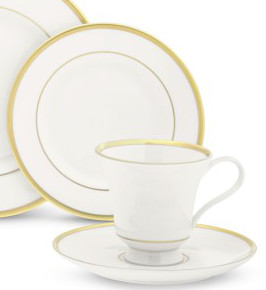 Signature White/Gold Cup and Saucer collection with 1 products